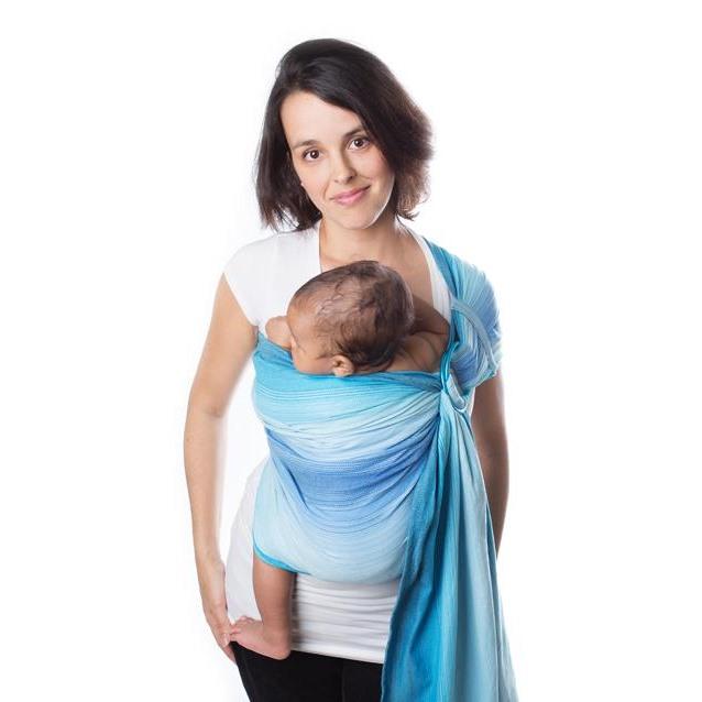 Maman avec porte-bébé Chimparoo